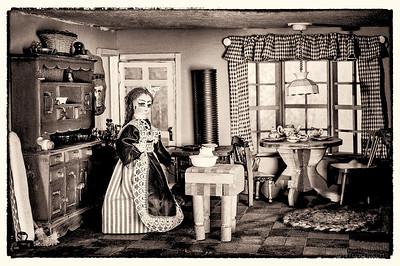 Sue's Dollhouse