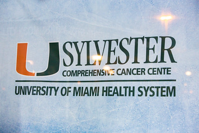 UHealth Sylvester Hockey Fights Cancer Game 1-128