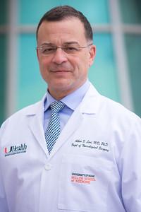 12-18-17 UHealth Dr Levi Spinal Tumor Story-105