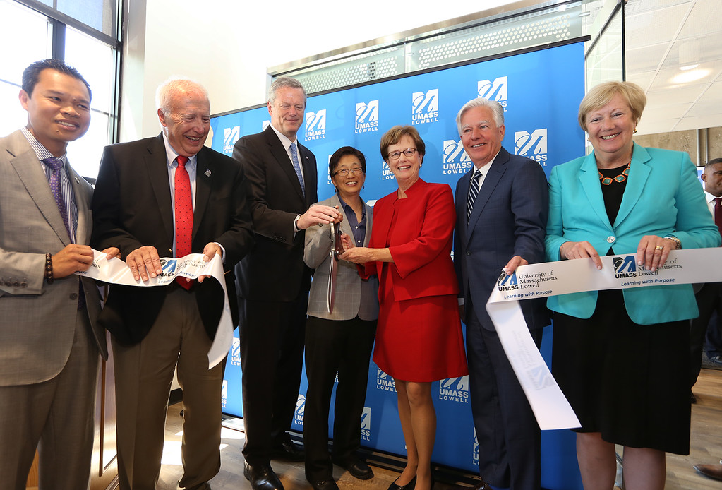 . Gov. Charlie Baker attends opening ceremony and ribbon-cutting for the UMass Lowell Fabric Discovery Center at 110 Canal. From left, State Rep. Rady Mom, Lowell mayor Bill Samaras, Gov. Baker, UML vice chancellor for Research & Innovation Julie Chen, UML chancellor Jacquie Moloney, UMass president Marty Meehan, and Lowell city manager Eileen Donoghue. (SUN/Julia Malakie)