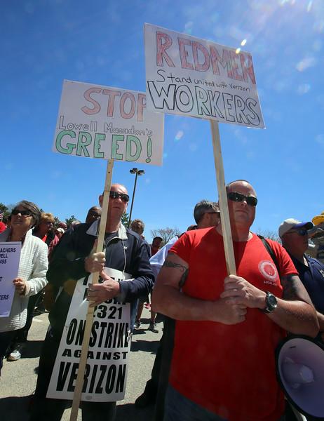 Verizon workers strike rally in Lowell 042816