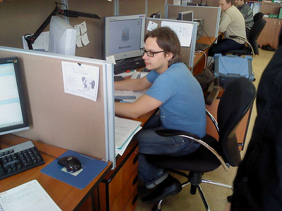 2011-04-19, Andrey Popov in the office