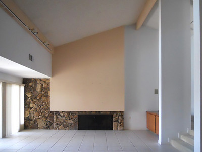 Interior FR FirePlace 01BEFORE