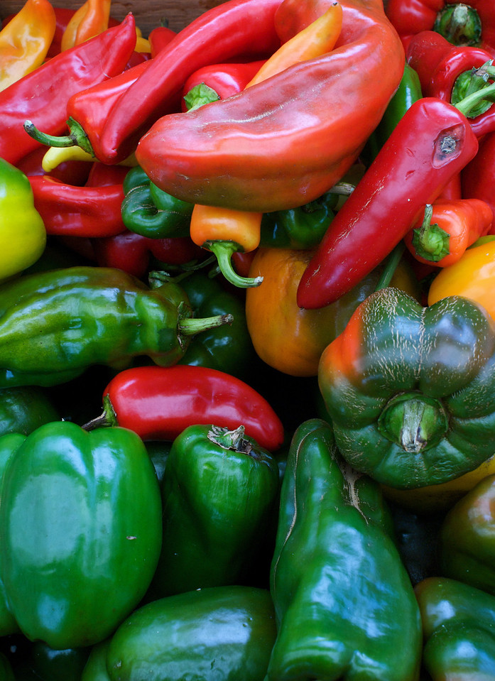 These peppers make a beautiful<br /> large print.  The colors are vibrant and will accent any kitchen.<br /> #1022