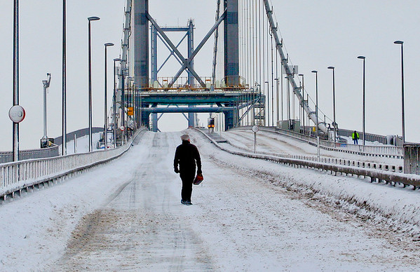 2010 Forth Road Bridge closed first time ever due to unprecedented snow storm