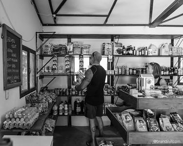 Machete Market Café
