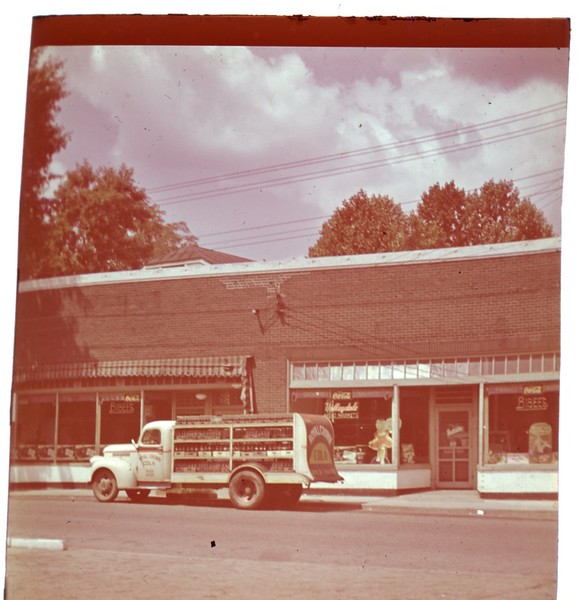 Bibee's Grocery Store  (09785)