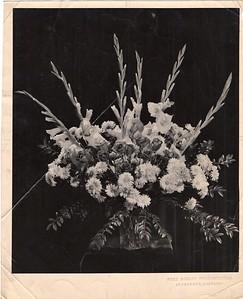 Chas. E. Burg Florist/Large Arrangement with Gladiolas (06423)