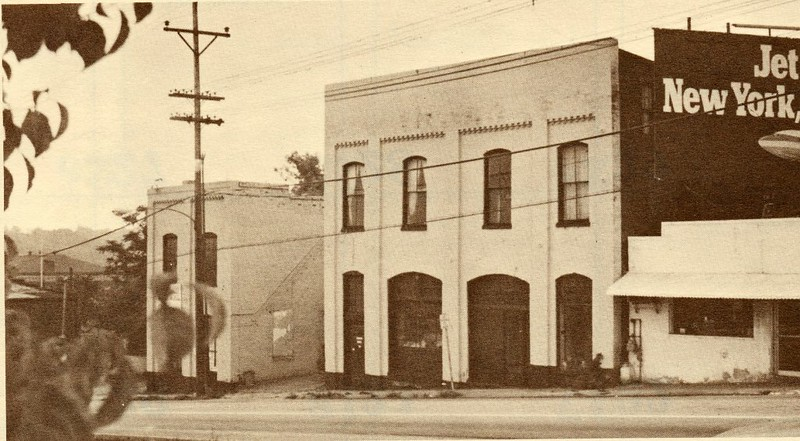 Cleland Company in the 200 block of Fifth Street (4433)
