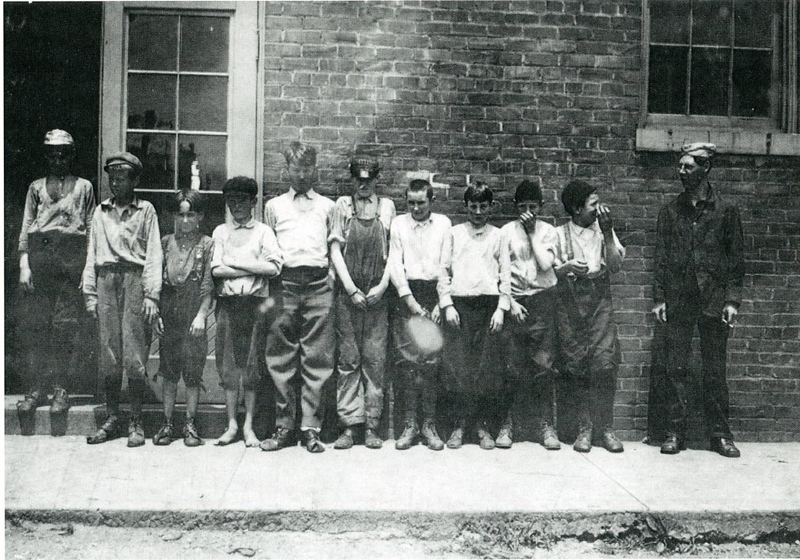Child Labor at the Craddock Terry West End Plant, 1911 II (4462)