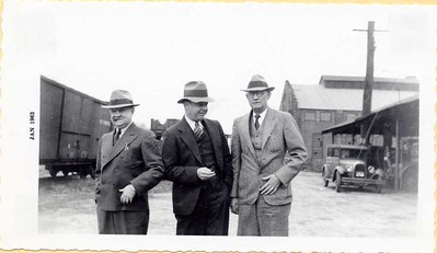 H. L. Campbell, President (right) (08259)