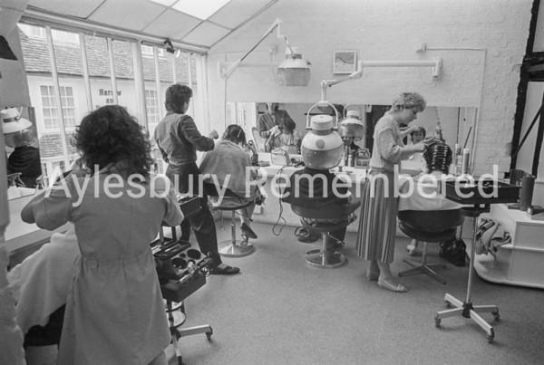 Janes Chemist Hair Salon, Apr 1985