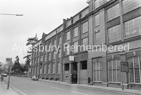 Hazell, Watson & Viney printing works in Tring Road, Feb 1973