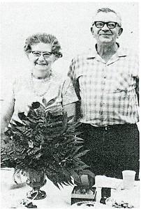 Louise Robertson and Thala Adams (4361)