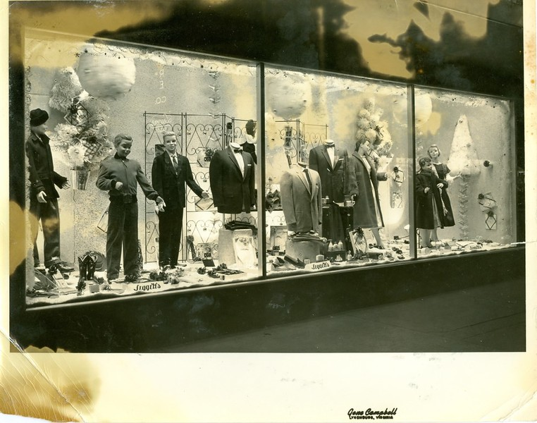 Leggett's  Department Store Men's and Boy's Christmas Display (06336)