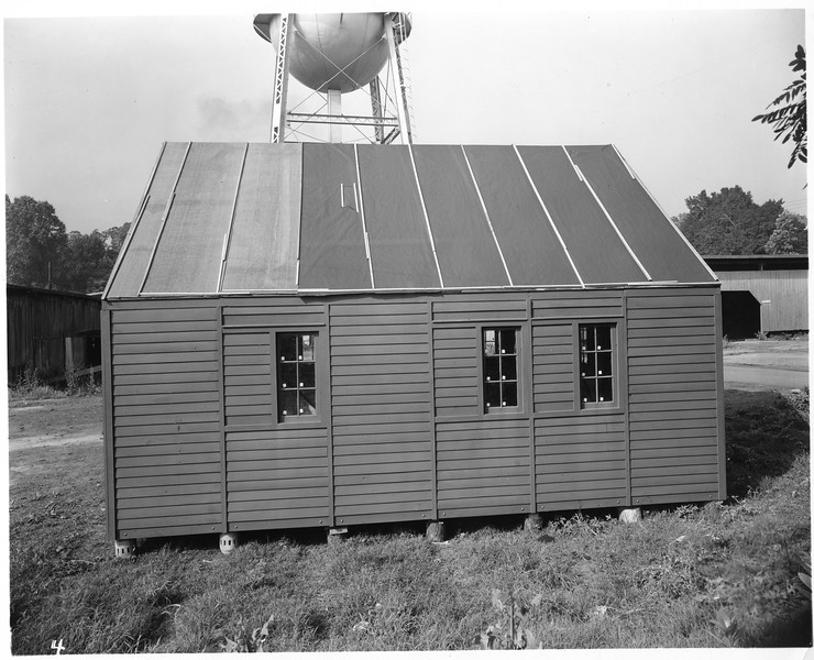 Building supported by Wagon Wheel Hubs (03099)
