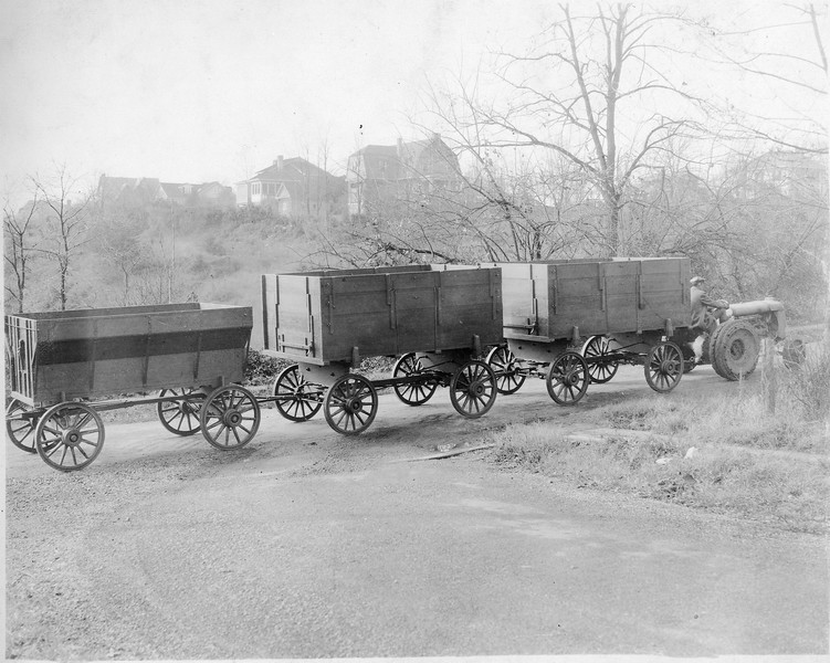 Thornhill Wagons being pulled by a tractor (03156)