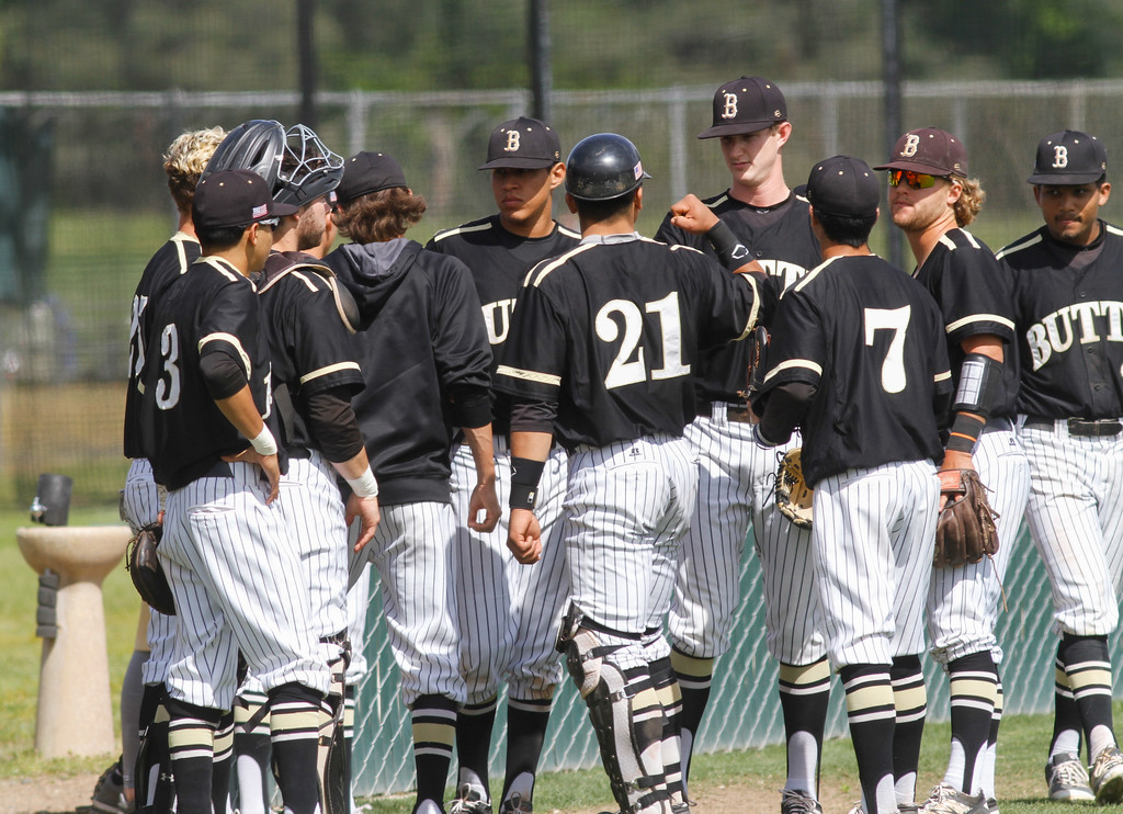 . Butte College\'s defense gears up to start their second game against Siskiyous Monday April 10, 2017 at Butte College in Oroville, California. (Emily Bertolino -- Enterprise-Record)