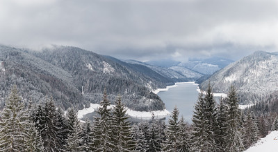 Dragan Lake in winter