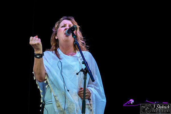 Deborah Bonham Stars Align Tour with Jeff Beck Ann Wilson Paul Rdgers Cruzan 8/25/18