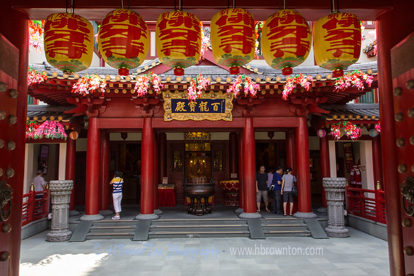 Entrance into the Buddha Tooth Relic Temple