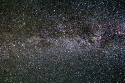milky way - 18 frames, 4 minutes, 20mm at f/4, iso 1600