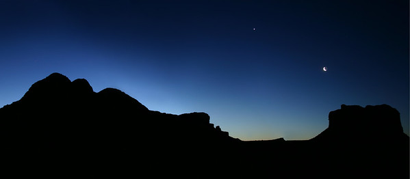 Moonrise over Courthouse Butte