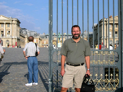 Joe outside the Palace of Versailles.