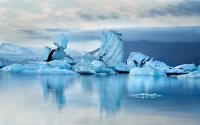 Jokulsarlon - Ice Castles