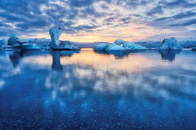 Jokulsarlon - Ice Sculptures at Sunset
