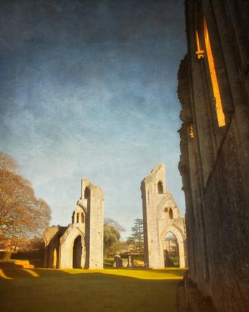 Glastobury Abbey, Glastonbury Village, Somerset, Great Britain
