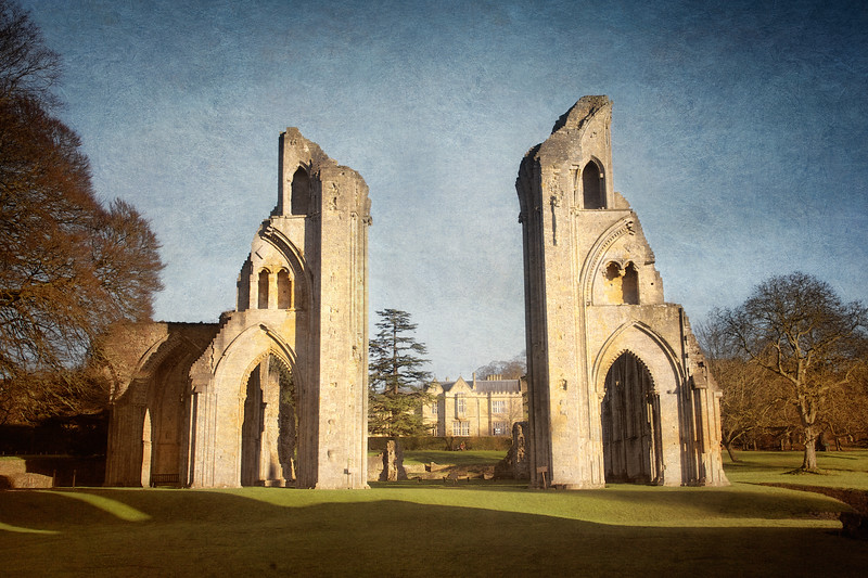 Glastobury Abbey, Glastonbury Village, Somerset, Great Britain
