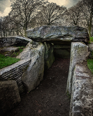 Entrance to Wayland's Smithy Side View