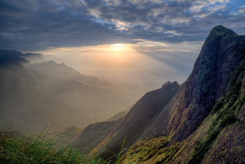 Sunrise on Kolukkumalai