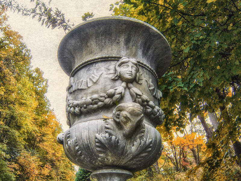 Gold Coast Architecture: Urn, The Eagle's Nest, Long Island Home of William K. Vanderbilt, Centerport, Suffolk County, NY