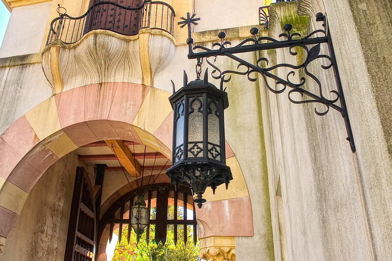 Gold Coast Architecture: Lantern and Gate, The Eagle's Nest, Long Island Home of William K. Vanderbilt, Centerport, Suffolk County, NY