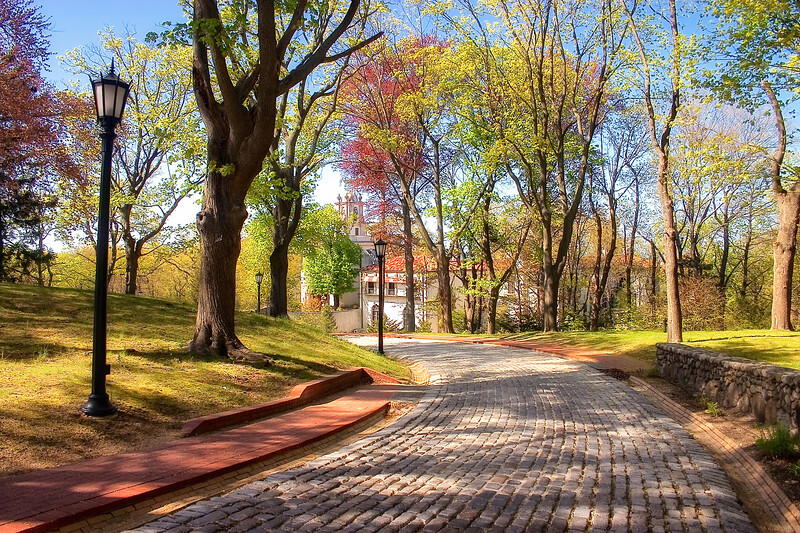 Gold Coast Architecture: Entrance Lane, The Eagle's Nest, Long Island Home of William K. Vanderbilt, Centerport, Suffolk County, NY
