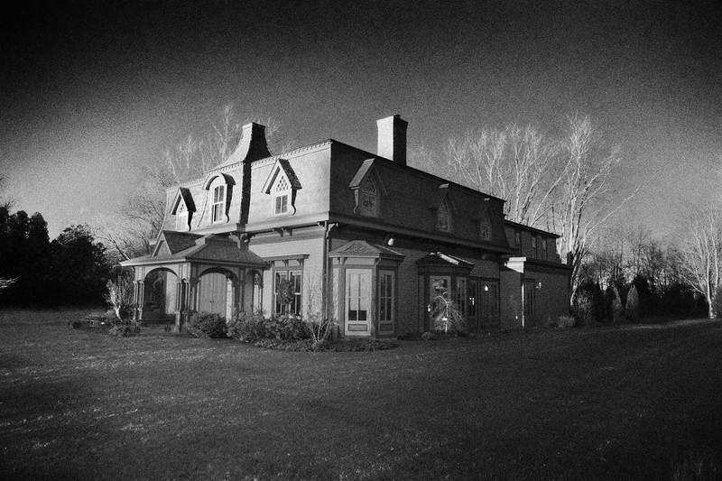 Jamesport Manor Inn, c. 1750 (rebuilt), Jamesport, Riverhead, Suffolk County, North Fork of Long Island, New York