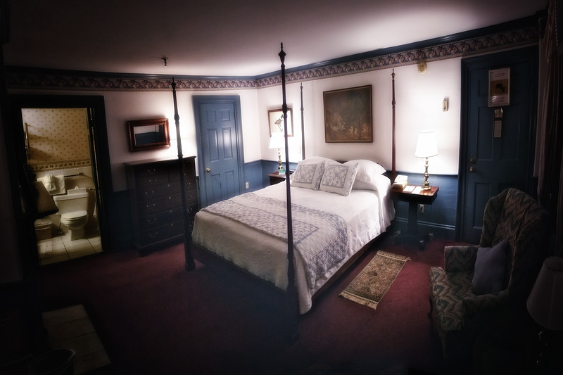 New England Tourism: Room 24, Concord's Colonial Inn, Concord, Middlesex County, Massachusetts