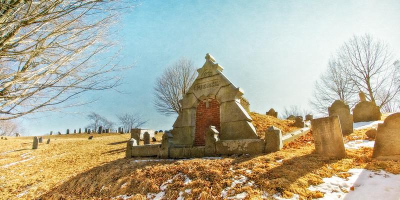 Urban Legends: Pierce Mausoleum, Old Burial Hill, Bartlet Mall, Newbury, Essex County, Massachusetts