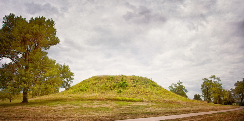 Native American Life: Fox Mound, Mound 60, Twin Mounds, Cahokia Mounds, Collinsville, St. Clair County, Illinois