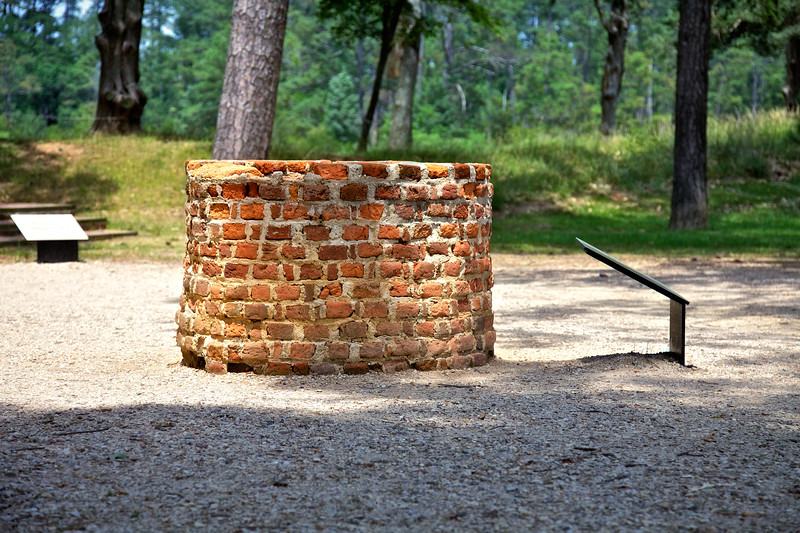 Jamestowne Settlement: Well Used in the Earliest Settlement. Historic Jamestowne, Jamestown Island, Virginia