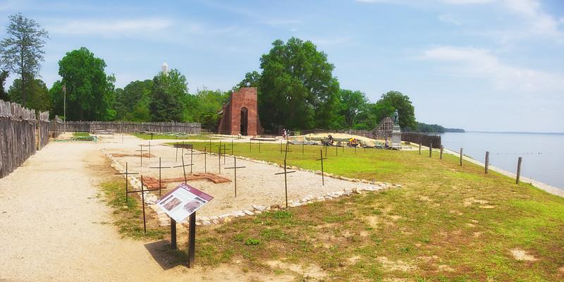 Jamestowne Settlement: 1607 Burials Found Beneath Councillor's Row Building. Historic Jamestowne, Jamestown Island, Virginia