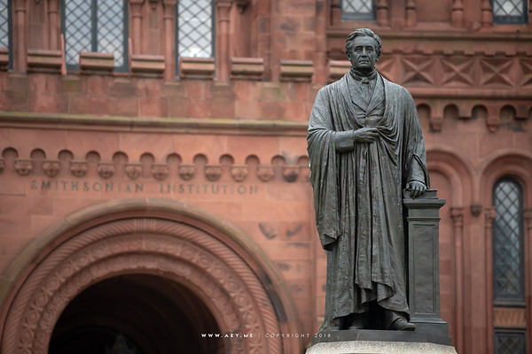 Statue of Joseph Henry, Smithsonian Castle
