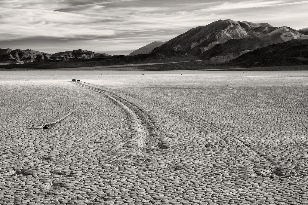 Vinod Kalathil - Death Valley - Go Your Own Way