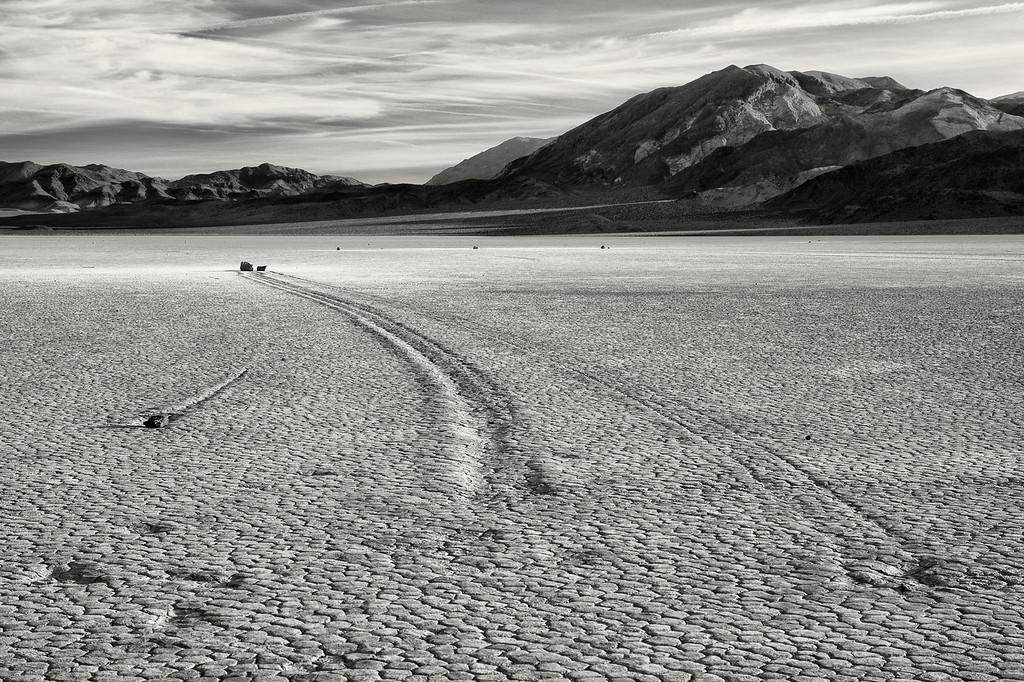 Vinod Kalathil - Death Valley - Go Your Own Way