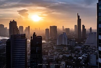 Cityscape of Bangkok, Thonburi and Chao Phraya River