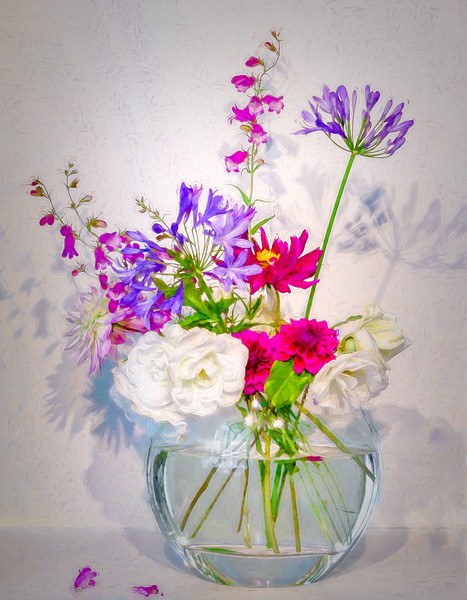 08-19-17  Vase & flowers from Corinne