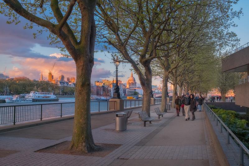 Walk through London at Sunset
