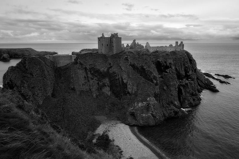 Dunnottar Castle BW